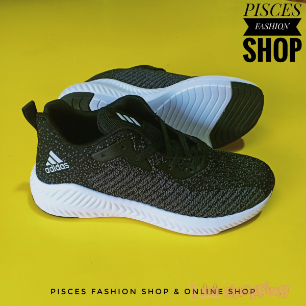 ADidas Design Fashionable Sneaker