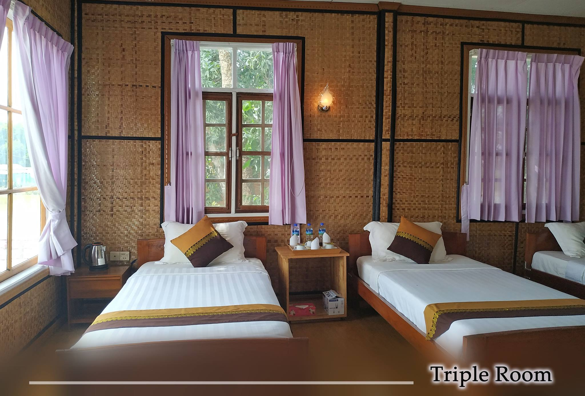 Triple Room (For Local Person Only)